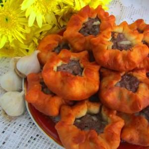 Руски бељаши со лук
