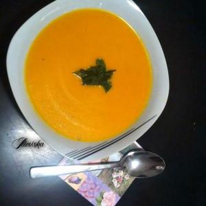 Крем супа од зеленчук со јаболка