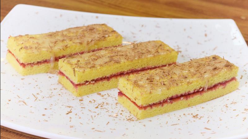 Видео рецепт: Домашни тортици со овошен фил