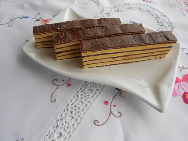 Празничен розен колач