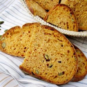 Тиквен леб со квас и печен со лед во рерна