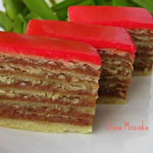 Розен торта со домашни кори (посно)