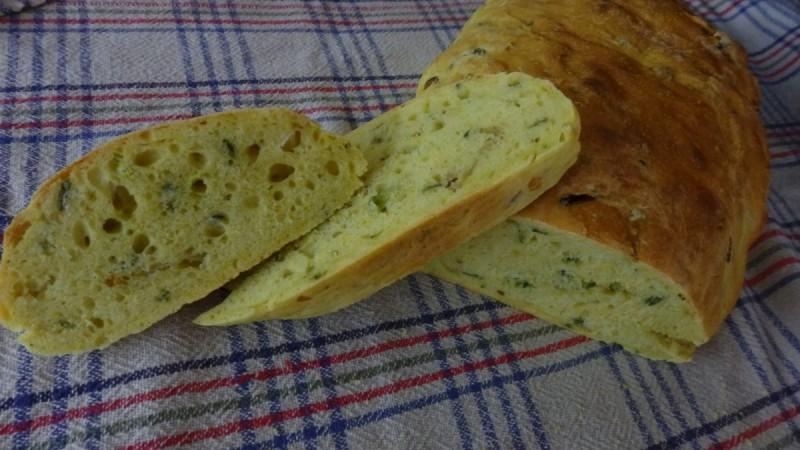 Леб со карамелизиран кромид