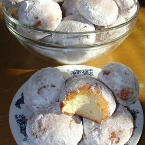 Благи крофни со жолчки