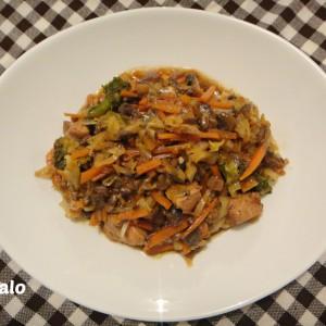 Пилешко со зеленчук - Chinese style