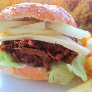 Биф бургер - Pulled Beef Burger
