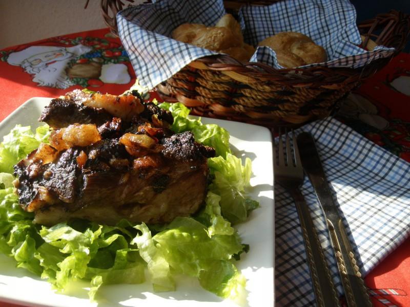 Печено свинско со сланина