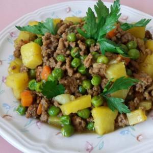 Мелено месо во кари