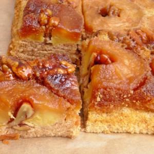 Јаболков превртен колач