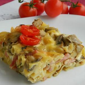 Тестенини со свежи шампињони и печеница