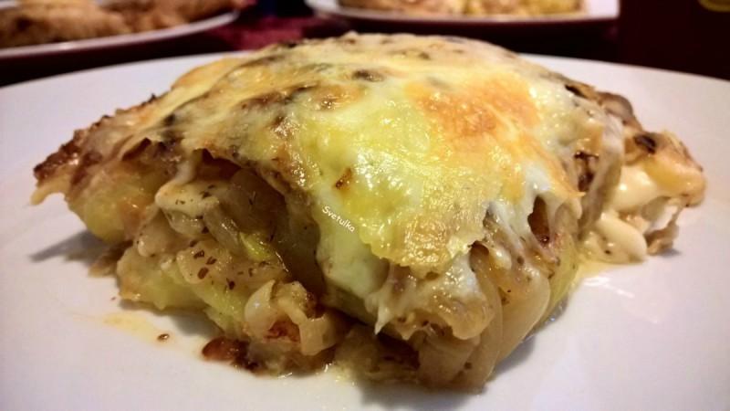 Гратинирани компири со кромид