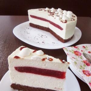 Мус торта со бело чоколадо и јагоди