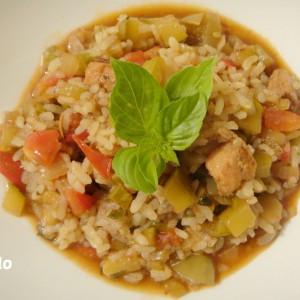 Ориз во сос од пилешко и зеленчук