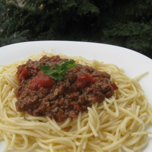 Шпагети со сос од сув вргањ
