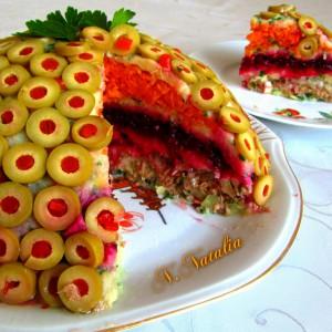 Зеленчукова солена торта со туна (посно)