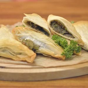 Видео рецепт: Tриаголници со печурки и тиквичка (посно)