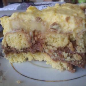 Десерт со чајни колачиња и банани