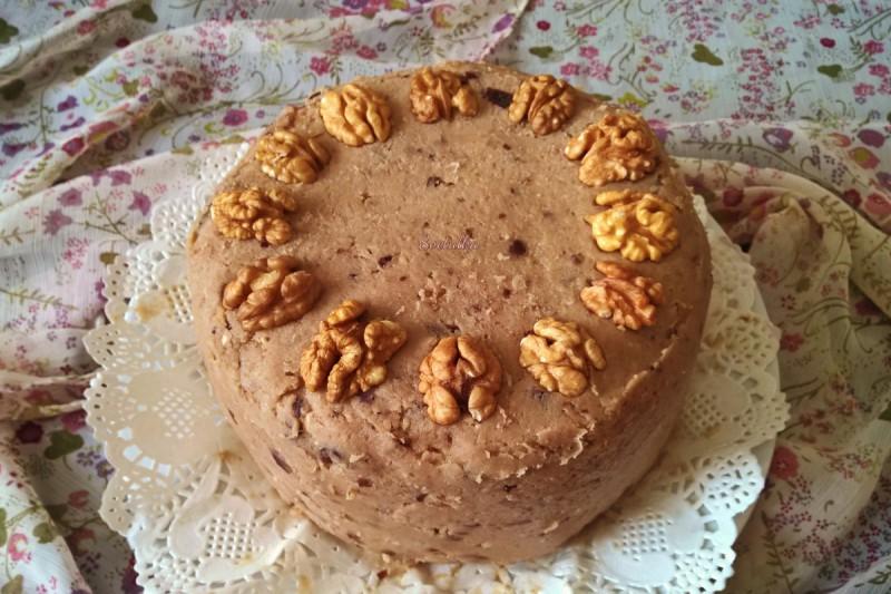 Торта со крем од кокосово млеко и ореви (посно)