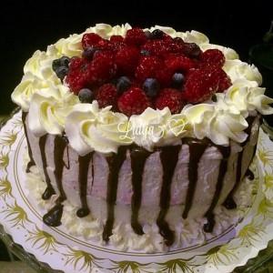 Торта со чоколадо и малини