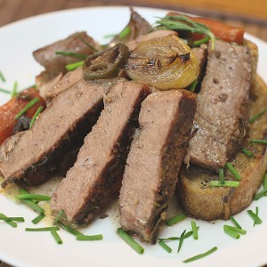 Видео рецепт: Јунешко со црвено вино и моркови