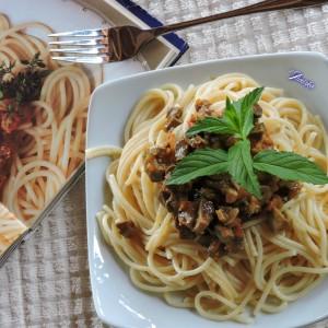 Ловечко срце (шпагети со сос од свинско срце)