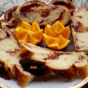 Милиброд со урми и портокал