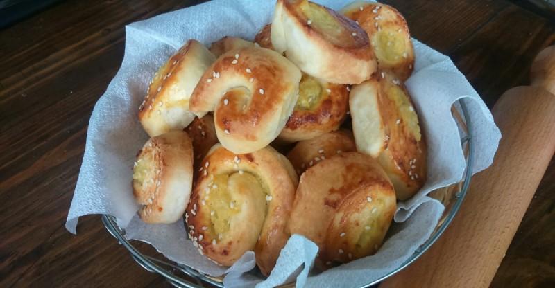 Меки полжавчиња со фил од компири
