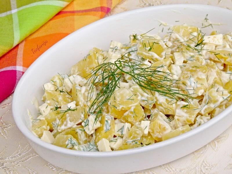 Оброк со варен компир и свеж копар