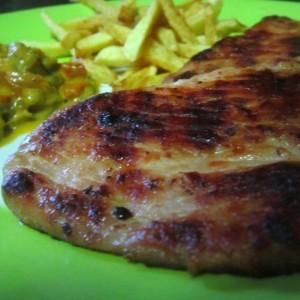 Печено свинско месо со лук