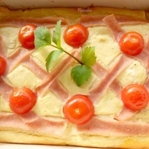 Солен тарт со 5 вида сирење