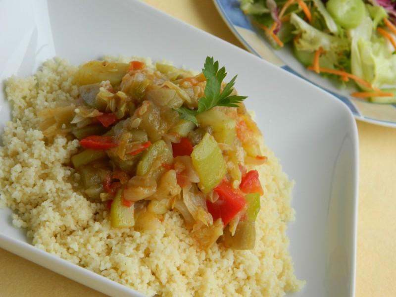 Кус кус со зеленчук (посно)