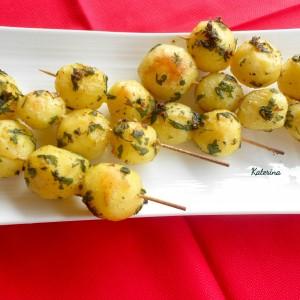 Ражничи од мариниран млад компир