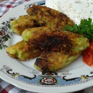 Ќебапи од тиквички и сирење