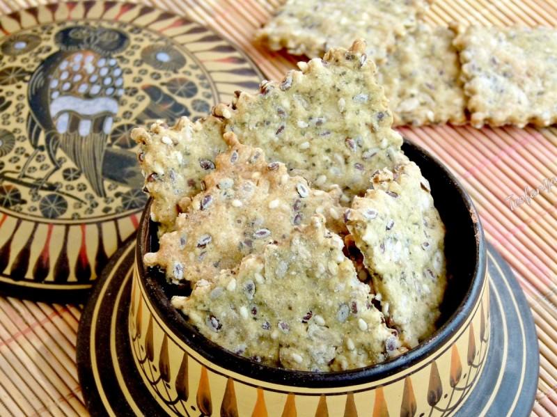 Крекери со семиња