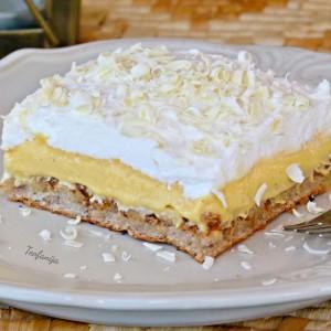 Бурбон ванила колач со ореви