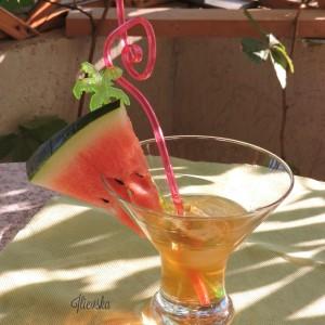 Apello-коктел (јаболка и бело вино)