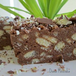 Чоколаден колач со готов пандишпан
