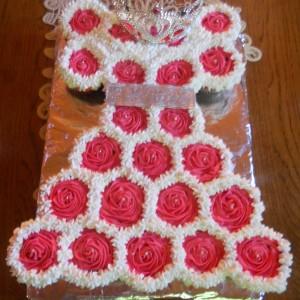 Фустанче од мафини (декорација)
