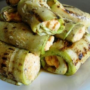 Ролнички од тиквички со крем салата од урда и морков (хроно)