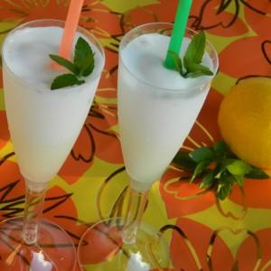 Сорбет од лимон (во апарат за сладолед)