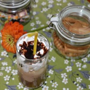 Чоколадо и ванила ледено кафе