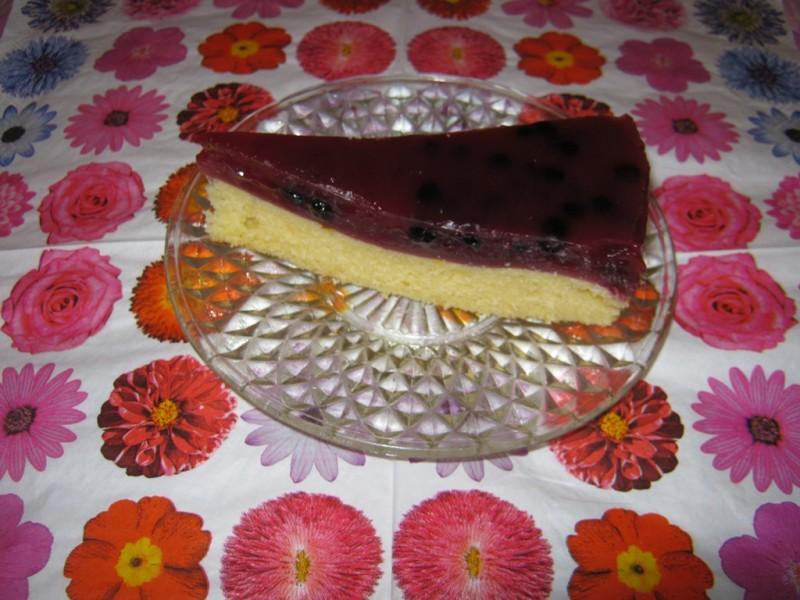 Торта со боровинки и пудинг од шумско овошје