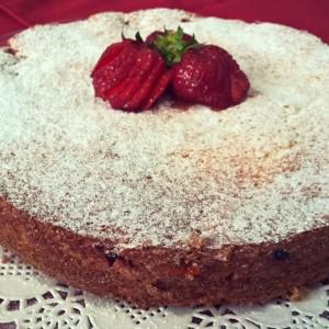 Брза и лесна торта со јагоди