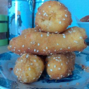 Пирошки со компир во тестото