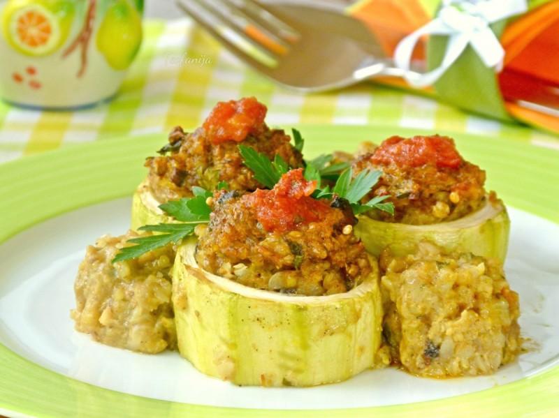 Полнети тиквички со хељда и просо (посно, без глутен, вегетаријанско)