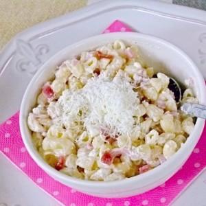 Оброк со макарони и топено сирење