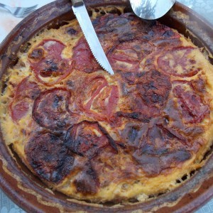 Мусака со праз и домати