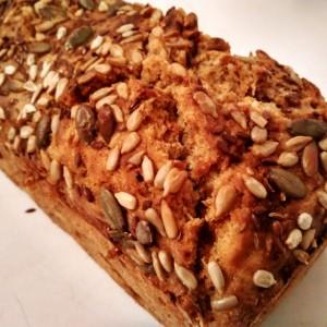 Ржан леб со семиња