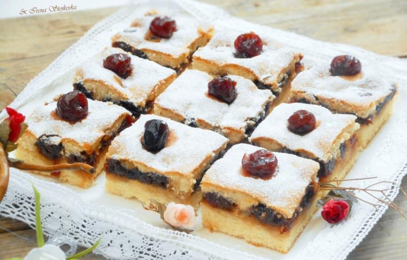 Тортици со слатко од цреши