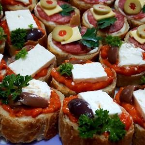Старински роденденски мини сендвичи